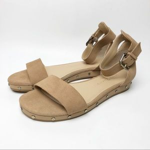 Chinese Laundry   NWOT Grady Flat Leather Sandals
